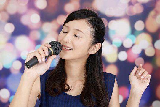 歌うま美少女